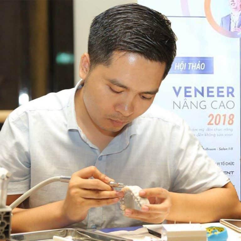 Bác sĩ Nguyễn Hữu Vinh - Giám đốc Nha khoa Việt Smile